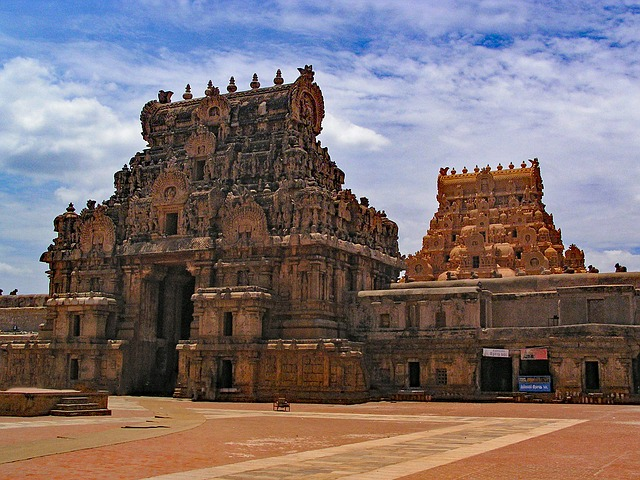 Best Historical Monuments in Tamil Nadu