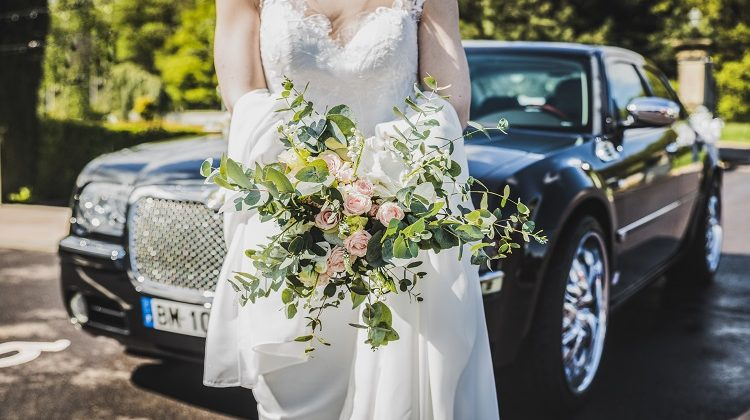 Why Choose to Rent Luxury Car for your Wedings
